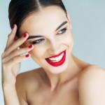 Как красить губы красной помадой