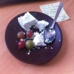 Если захочется кушать между перерывами пищи - немного творога и ягод