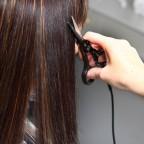 Стрижка волос горячими ножницами: просто, но крайне эффективно