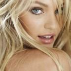 Какие цвета идут блондинкам: правила выбора своего оттенка