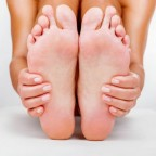 Как очистить пятки от огрубевшей кожи в домашних условиях